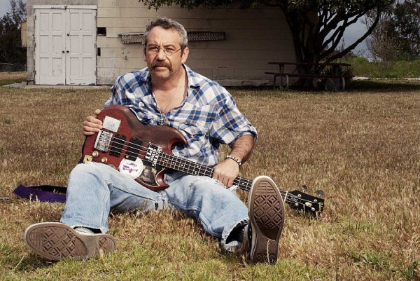 Mike Watt photographed by Max Gerber