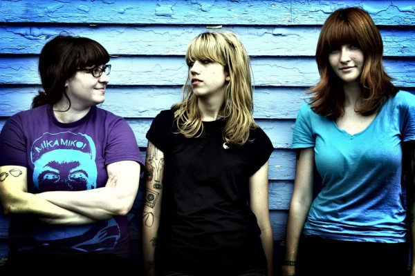 Vivian Girls photographed by Terry Woelfer